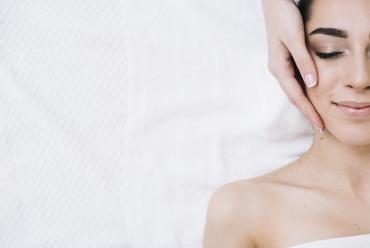 Le BTS « Métiers de l'Esthétique, de la Cosmétique et de la Parfumerie » concerne les secteurs de la cosmétologie et de l'esthétique.